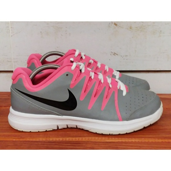 Nike Shoes - Nike Vapor Court 10